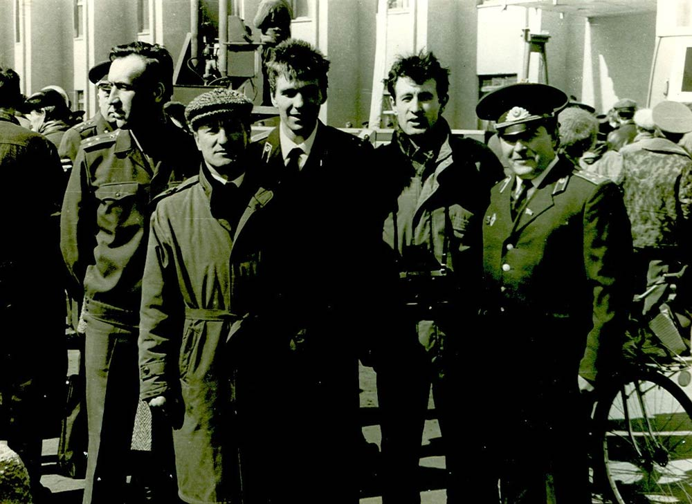 День пожарной охраны (17 апреля 1993 года) (третий слева Планов В.И., второй справа Кадикин Ш.Р.)